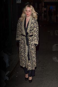 Favorite du cinéma indépendant depuis plus de 20 ans, Chloë Sevigny est une icône de mode dont le style inimitable continue d'inspirer.