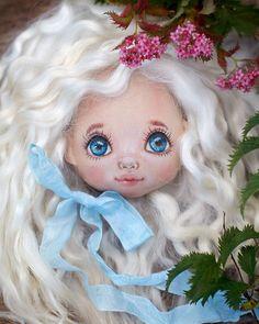 416 отметок «Нравится», 78 комментариев — Создаю текстильные куклы (@vodnat) в Instagram: «Юля @tilipultrilipul , что ты со мной сделала?Увидев твою лялю вчера в ночи,спать не могла…»