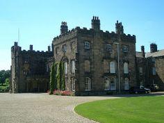 El castillo de Ripley está aún hoy habitado por los Ingilby, la misma familia que es propietaria desde hace 700 años. Ellos viven en un ala privada del castillo, mientras que otra está acondicionada para recibir visitas. Se dice que el castillo está embrujado: una monja toca en las puertas de los cuartos de las visitas. Si se le invita, puede entrar en la habitación.