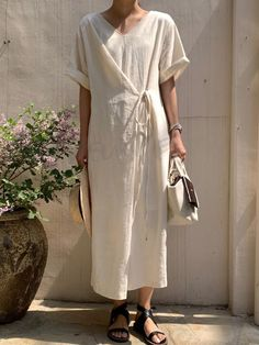 Casual V Neck Belted Short Sleeve Pure Colour Dress – blinglikes Fashion Details, Fashion Design, Linen Dresses, Maxi Dresses, Simple Dresses, Minimalist Fashion, Fashion Dresses, Street Style, Style Inspiration