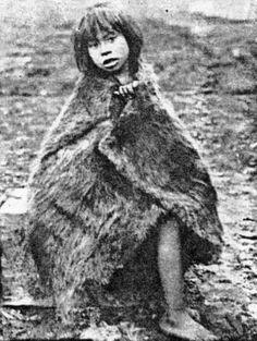 Pulsa para ver la imagen a tamaño completo Patagonia, Australian Aboriginals, Melbourne Museum, Easter Island, American Indians, South America, Africa, Fur, History