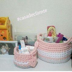 Cestinhos fofos decorando e organizando  no quarto da filhota da querida cliente  . . #casadecliente #cestos #basket #cestosorganizadores