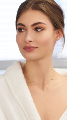 hacks every girl should know make up Beautiful Belle: Behind the Scenes with Estée Model Grace Elizabeth. Grace Elizabeth, Beauty Make-up, Beauty Hacks, Hair Beauty, Fashion Beauty, Wedding Hair And Makeup, Bridal Makeup, Eye Makeup, Hair Makeup
