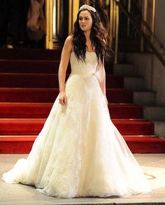 Blair Waldorf leaving her wedding 2 the Prince   Gossip Girl