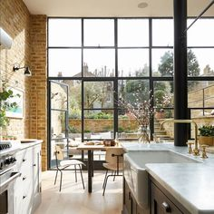 Explore this GORGEOUS south London home complete with exposed brick and Crittall features A little bit industrial, a little bit English country, this Victorian south London home has exposed brick walls, Crittall doors and a country kitchen. Home Decor Kitchen, Home Kitchens, Kitchen Ideas, Art Deco Kitchen, Kitchen Country, Nice Kitchen, Family Kitchen, Kitchen Units, Kitchen Nook