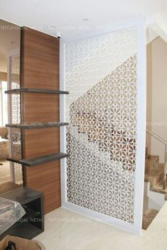 Partition Screen, Partition Design, Room Divider Doors, Room Divider Screen, Decorative Screen Panels, Iron Wall Decor, Metal Screen, Interior Stairs, Metal Shelves