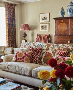 Insta-Crush: @carlosgarciainteriors - The Neo-Trad Home Living Room, Living Room Designs, Living Room Decor, Decor Room, Living Area, Foyer Decorating, Decorating Ideas, Interior Decorating, Natural Home Decor