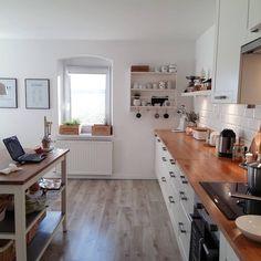 """Słońce! !!!! #mykitchen #instaday #ikea #stenstorp #kitchenaid #white #wood #kitchen #adel #starydom #dombieląmalowany #homedecor #decoration #interior…"""