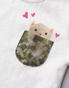 camiseta bolsillo camuflaje
