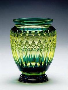 Green | Grün | Verde | Grøn | Groen | 緑 | Emerald | Lime | Colour | Texture | Style | Form | Pattern | Art Déco |  Vase | Val St Lambert | 1920 |