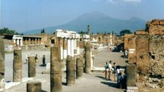 Pompeii is getting back archeological artefacts from regretful thieves