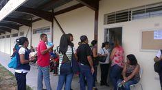 NUEVOS INGRESOS INICIAN CLASES EN LA UBV CABIMAS  Desde el lunes 3 de octubre los bachilleres inscritos como nuevos ingresos en la Universidad Bolivariana de Venezuela iniciaron clases en la sede ubicada en el municipio Cabimas, perteneciente al Eje Indios Caquetios. #UnaGestionQueSigueTrabajando @maryannhanson19, @nicolasmaduro, @mppeuct
