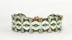 Arcos, Minos & Nib-bits all come together in this chic bracelet called Nefertari - PDF Beading Pattern by AndreaCatherineJewel on Etsy Beaded Bracelet Patterns, Beading Patterns, Beaded Bracelets, Lace Jewelry, Diy Jewelry, Super Duo Beads, Beadwork Designs, Seed Beads, Beading Projects