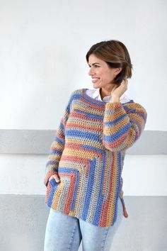 Keep warm while showing off your crochet skills with this classic crochet mitered tunic. The mitered shaping means this tunic's construction gives you both flattering lines and added interest while you make it.Guide to Choosing Yarns and Patterns for Cr Crochet Cable, Crochet Tunic, Crochet Clothes, Knit Crochet, Easy Crochet Patterns, Crochet Designs, Chunky Knitwear, Crochet Winter, Dress Patterns