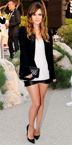 Love the leather shorts and sweater combo. Ombre hair looks so good on her! Rachel Bilson