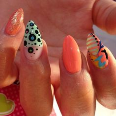 STILETTO NAILS  / NAIL ART / NAIL DESIGN / NAIL RHINESTONES / OVAL NAILS / ACRYLIC NAILS