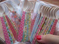 Paquetes de cucharitas de madera decoradas (11 cms). Varios modelos para elegir detallisime@yahoo.es