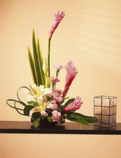 $85.00 Parkers Flowers, 1825Tamiami Trail, Unit E3, Port Charlotte, FL 33948 FloristInPortChar... WE DELIVER WORLDWIDE