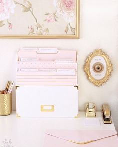 Blush and gold office with feminine and elegant glam touches. Mixing vintage and contemporary styles for a beautiful transitional design. office decor diy Blush And Gold Glam Office Reveal - Summer Adams Home Office Space, Home Office Design, Office Spaces, Office Workspace, Office Setup, Office Ideas, Work Spaces, Office Organization, Gold Office Decor