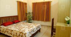 പ്രളയം, കൊറോണ; അതിജീവനത്തിന്റെ നേർസാക്ഷ്യമാണ് ഈ വീട്; കഥ ഇങ്ങനെ Dream House Plans, Small House Plans, Catholic Altar, Kerala House Design, Kerala Houses, Cute House, Traditional House, Living Room, House Styles