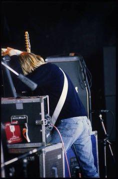 Kurt Cobain Photos, Nirvana Kurt Cobain, Donald Cobain, Smells Like Teen Spirit, Courtney Love, Heavy Metal Music, Alternative Music, Pretty Men, American Singers