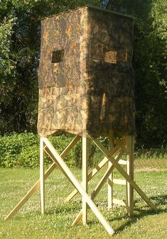 1000 ideas about deer hunting blinds on pinterest deer for How to build a box stand