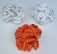 how to make a kitchen scrubbie from plastic bags #hyperbolic #crochet http://www.myrecycledbags.com/2011/09/03/plarn-scrubbie-coral/