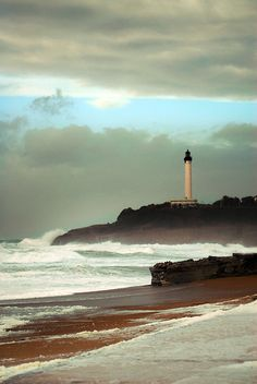 {Christine Amat}  If I could I would visit the best lighthouse in the world... Lest go...