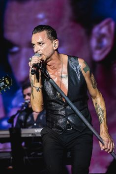 Dave Gahan with Depeche Mode at ACL photos by Tim Griffin