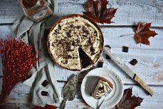 Czekoladowe ciasto z herbatnikami i kawowym kremem Mascarpone - bez pieczenia | fooddiary.pl 200 Calories, Pavlova, Camembert Cheese, Dairy, Recipes, Food, Diet, Mascarpone, Balcony