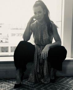 God, you fucking whore Nicole Evangeline Lilly, Beautiful People, Beautiful Women, Flawless Beauty, Kate Winslet, Elizabeth Olsen, Curvy Outfits, Stunningly Beautiful, Celebs