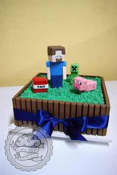 bolo Kit Kat - Minecraft World Cupcakes Minecraft, Minecraft Torte, Minecraft Birthday Cake, Minecraft Skins, Mine Craft Party, 6th Birthday Parties, 7th Birthday, Roblox Birthday Cake, Birthday Ideas