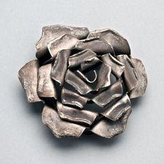 rose pin
