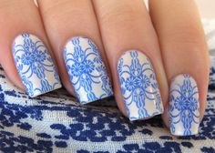 Blue Willow ~ base polish is El Corazon Jelly #423/57 stamped with BM-314 using Debby ColorPlay #125 ~ by Das Experiment