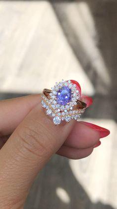 Purple Engagement Rings, Engagement Ring Styles, Halo Engagement, Vintage Engagement Rings, Ring Set, Ring Verlobung, Purple Rings, Purple Wedding Rings, Perfect Match