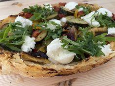 Spojenie chrumkaveho cesta a stavnatej zeleniny.#dokonalost 🥰 Jamie Olivier, Camembert Cheese, Pizza, Food, Hampers, Essen, Meals, Yemek, Eten