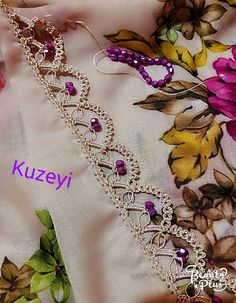 This Pin was discovered by Ayş Knit Or Crochet, Crochet Crafts, Crochet Stitches, Embroidery Stitches, Hand Embroidery, Embroidery Designs, Seed Bead Tutorials, Beading Tutorials, Baby Knitting Patterns