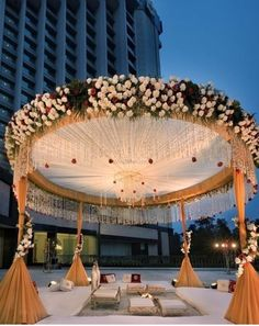 Are you looking for the perfect inspiration for your mandap decor? Let us enlighten you with some amazing mandap decor designs for 2020 weddings Wedding Ceremony Ideas, Desi Wedding Decor, Wedding Stage Design, Wedding Hall Decorations, Luxury Wedding Decor, Marriage Decoration, Wedding Mandap, Wedding Receptions, Diy Wedding