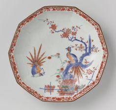Bord met op het plat een tak met rode bloemen en een paradijsvogel-Rijksmuseum AK-RBK-14808-A - Kakiémon — Wikipédia