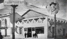El Teatro Abril en sus inicios a fines del siglo XIX. Su fundador...don Julio Abril Valdez. Antes de ser conocido como el Teatro Abril fue conocido como Teatro Olimpia. Estaba ubicado en la 11 Avenida y séptima calle esquina del actual Centro Histórico de Guatemala. Para 1912 se traslada toda la compañía al local que ocupa en la actualidad—la 9ave. y 14 calle con el nombre de Teatro Abril.