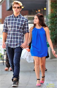 Ariel Winter & Cameron Palatas: Pacific Palisades Pair: Photo Ariel Winter holds hands with boyfriend actor Cameron Palatas after the Teen Vogue Back-To-School Event held at the Madison t Boutique on Saturday afternoon (August… Ariel Winter Age, Arial Winter, Teen Vogue, Cs Go, Modern Family, Free Clothes, Style Guides, Asos, Fashion Outfits