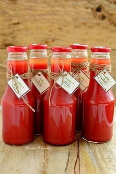 Fast tomato juice, natural – World of Light Canning Pickles, Romanian Food, Artisan Food, Tasty, Yummy Food, Tomato Juice, Health Snacks, Fermented Foods, Canning Recipes