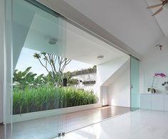 Split House by TWS & Partners http://www.homeadore.com/2013/08/15/split-house-tws-partners/