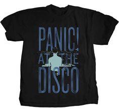T-shirt Panic at the Disco blue logo.
