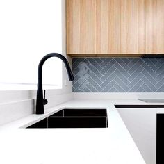 New Kitchen Sink Taps Mud Rooms Ideas Best Kitchen Sinks, Kitchen Sink Taps, Cool Kitchens, Black Kitchen Taps, Soapstone Kitchen, Kitchen Cabinetry, Kitchen Countertops, Kitchen Splashback Tiles, Black Splashback
