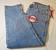 Levi Strauss & Co 98406 12 signature stretch  womens Denim jeans classic capri #Levis #CaprisCropped