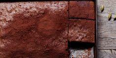 Turkish Coffee Brownies, made with espresso, cardamom and dark chocolate Cacao Chocolate, Chocolate Heaven, Melting Chocolate, Chocolate Desserts, Chocolate Coffee, Just Desserts, Dessert Recipes, Bar Recipes, Baking Recipes