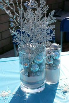 Lovely centerpieces at a Frozen birthday party! See more party planning ideas at… - birthday crafts Winter Wonderland Decorations, Winter Wonderland Birthday, Winter Birthday, Wonderland Party, Frozen Themed Birthday Party, Disney Birthday, Birthday Party Decorations, Birthday Parties, Carnival Birthday