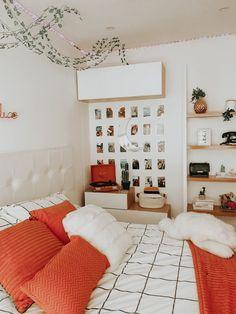 Cute Bedroom Decor, Room Design Bedroom, Room Ideas Bedroom, Bedroom Inspo, Teen Bedroom Decorations, Teen Bed Room Ideas, Diy Teen Room Decor, Boho Teen Bedroom, Cool Teen Rooms