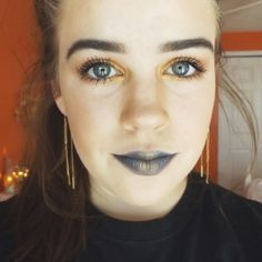Gold and navy blue ✨ • • • #lbloggers #lblogger #lifestyleblogger #lifestylebloggers #fblogger #fbloggers #fashionblogger #fashionbloggers #bblogger #bbloggers #beautyblogger #beautybloggers #beauty #fashion #lifestyle #blog #blogger #stripes #style #makeup #blue #navyblue #gold #morphe